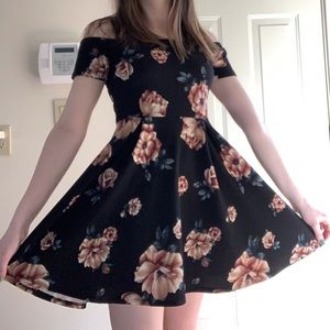 Cute casual black and pink flower dress (short)